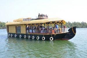 Houseboat Neeleshwar